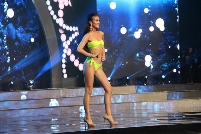 Huyền My nóng bỏng tại đêm sơ kết Hoa hậu Hòa bình Thế giới - Ảnh 5.