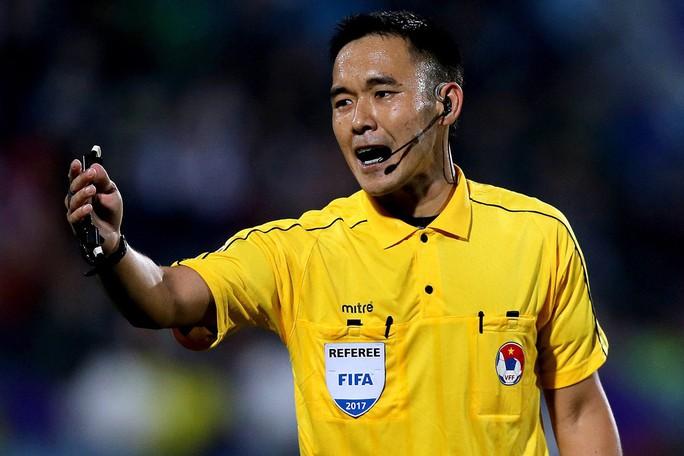 Trọng tài trận Hà Nội - Quảng Nam bị Thái Lan treo còi - Ảnh 1.