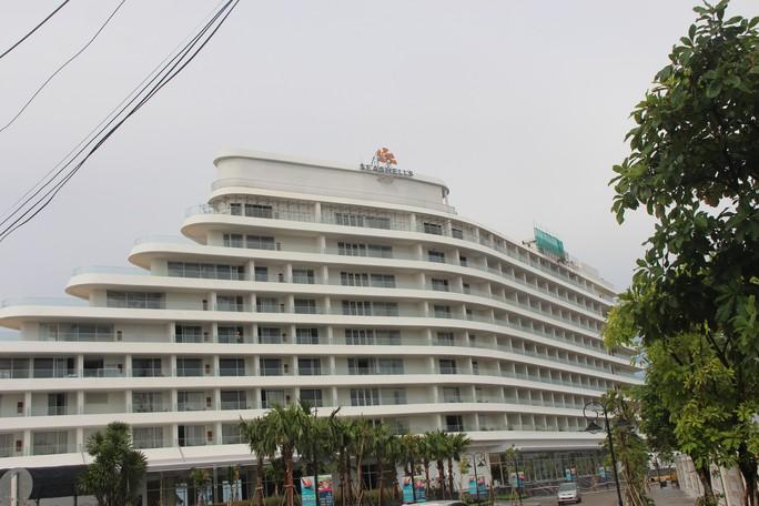 """Đang """"cắt ngọn"""" khách sạn 5 sao xây vi phạm ở Phú Quốc - Ảnh 3."""