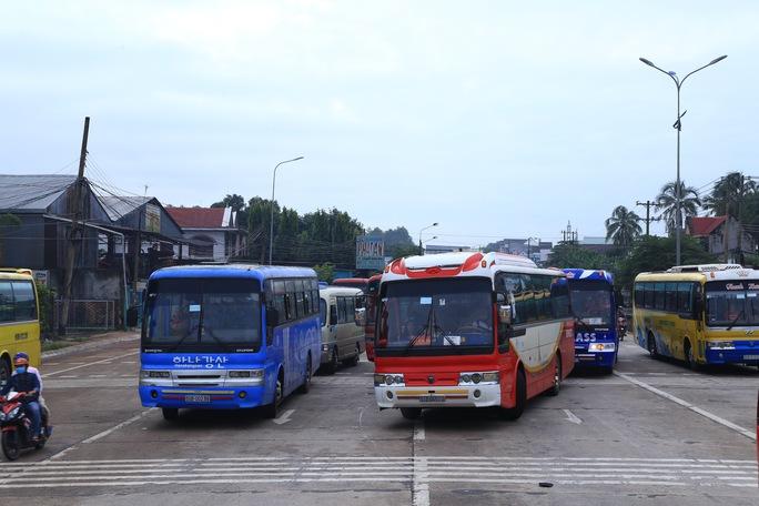 BOT tuyến tránh Biên Hòa lại kẹt xe vì tiền lẻ - Ảnh 5.