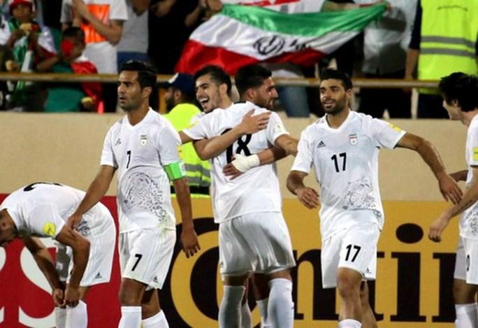 Đội bóng châu Á đầu tiên giành vé dự World Cup 2018 - Ảnh 2.