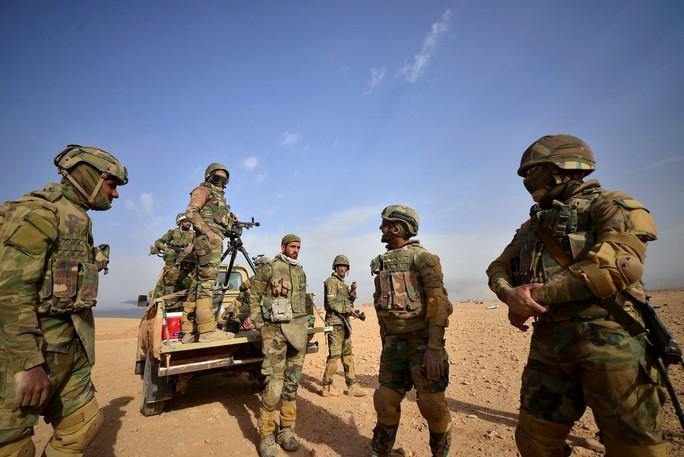 Iraq tấn công thị trấn cuối cùng trong tay IS - Ảnh 2.