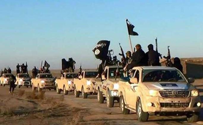 Iraq: Phát hiện 400 thi thể bị IS hành quyết - Ảnh 2.