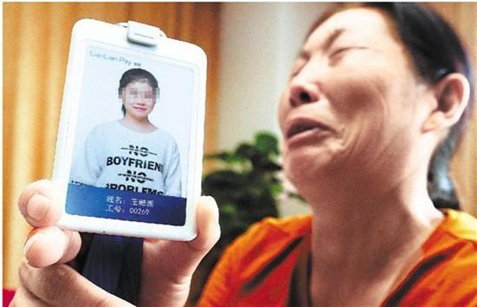 Trung Quốc: Ném bạn gái xuống đất từ tầng 19 vì bị nói xấu - Ảnh 1.