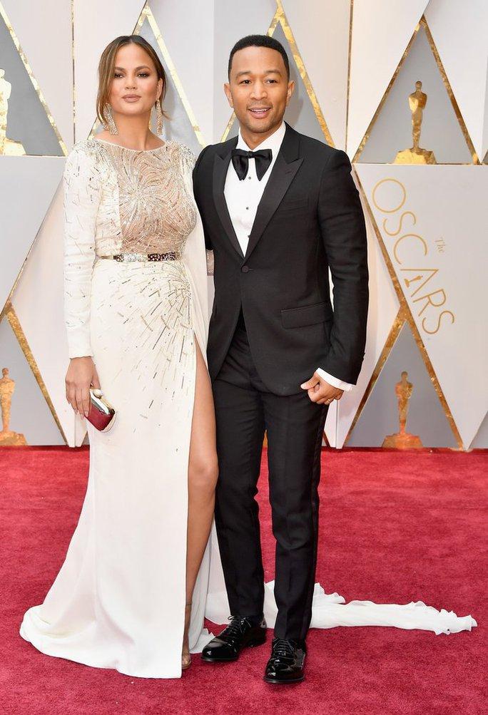 Vợ chồng ngôi sao ca nhạc John Legend