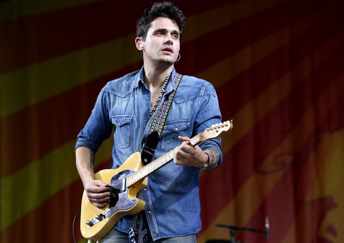 John Mayer lãng tử trên sân khấu