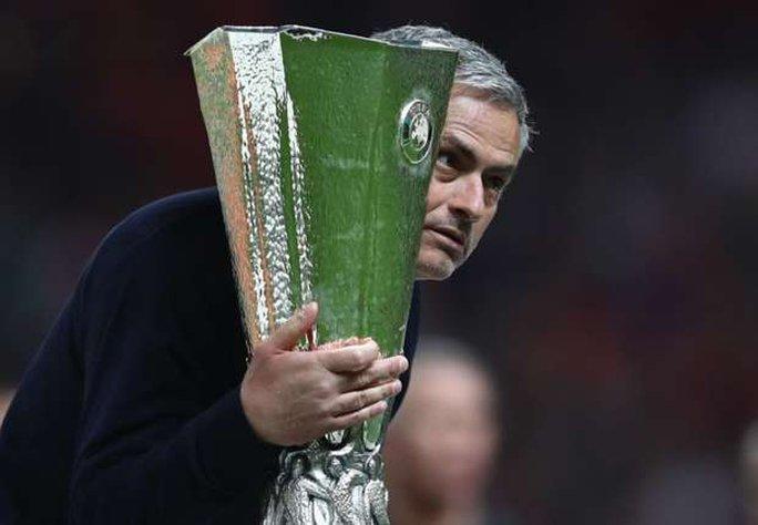 Đoạt cúp Europa League, Mourinho lập kỷ lục mới  - Ảnh 1.