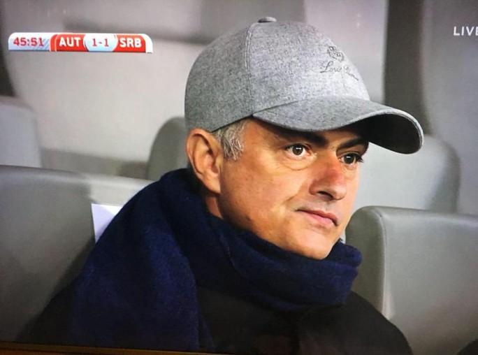 Lộ cầu thủ Mourinho xem giò trận Áo - Serbia - Ảnh 1.