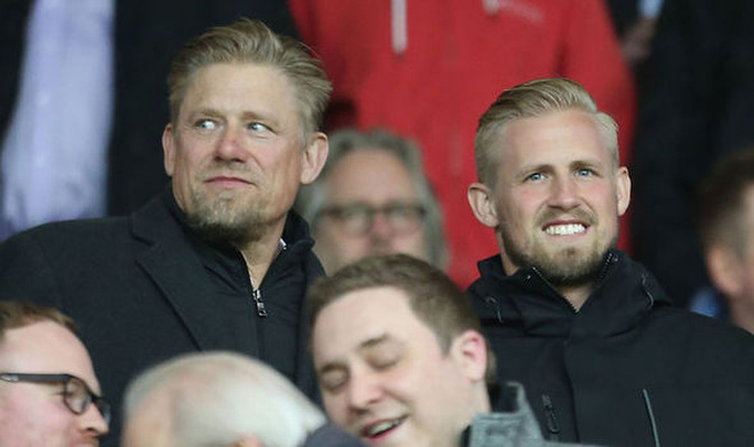 Kasper và cha Peter trong một lần xem bóng đá