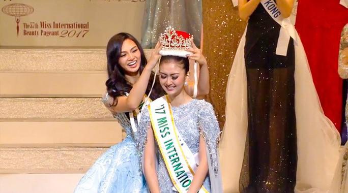 Cận cảnh nhan sắc tân Hoa hậu Quốc tế - Ảnh 1.