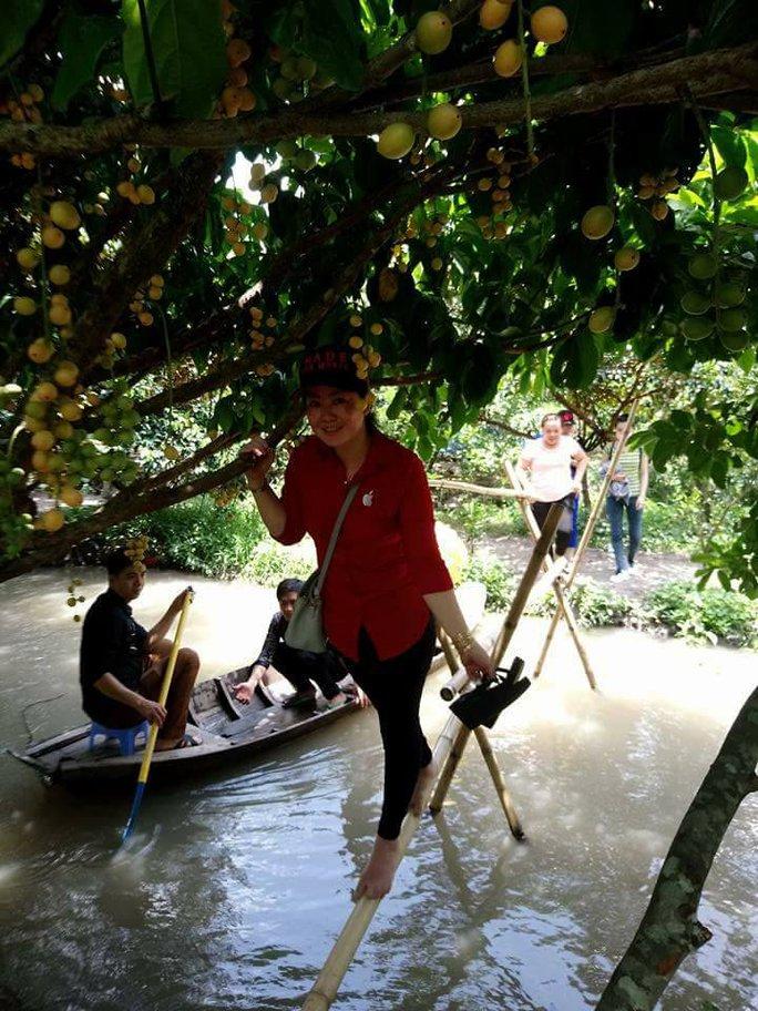 Vào mùa trái cây, du lịch miệt vườn hút khách - Ảnh 4.