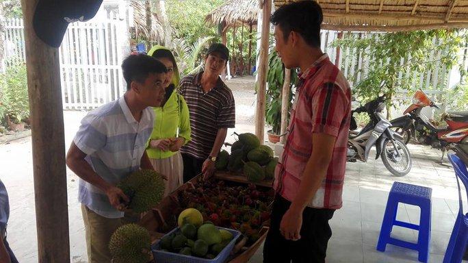 Vào mùa trái cây, du lịch miệt vườn hút khách - Ảnh 7.