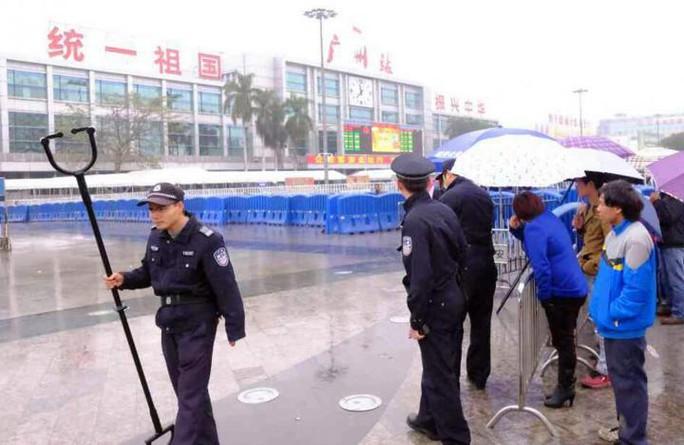 Trung Quốc: Tấn công bằng dao, 20 người thương vong - Ảnh 1.