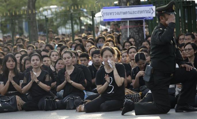 Người Thái ngạc nhiên về lễ hỏa táng cố quốc vương - Ảnh 4.