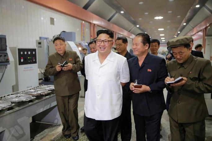 """Triều Tiên """"có thể đang sản xuất hàng loạt vũ khí sinh học"""" - Ảnh 1."""