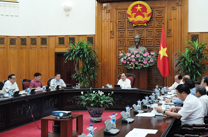Lần đầu tiên làm việc Tổ Tư vấn kinh tế, Thủ tướng Nguyễn Xuân Phúc tin đất nước sẽ chuyển mình - Ảnh 1.