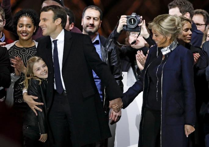 Ông Macron: Tay ngang thành tổng thống trẻ nhất nước Pháp - Ảnh 2.