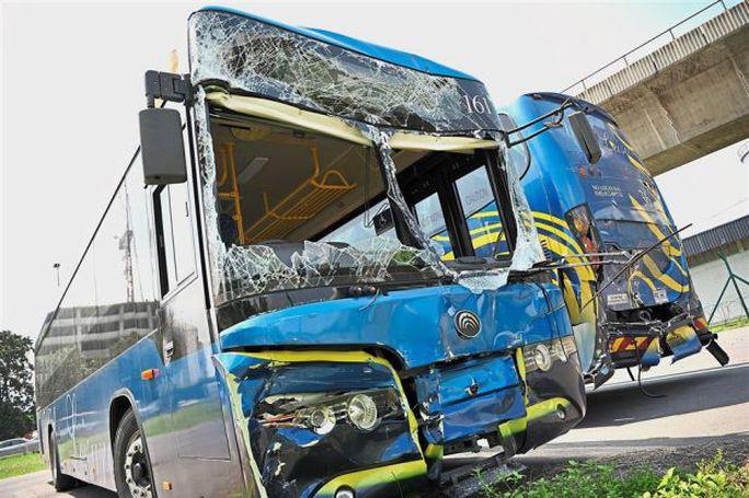 VĐV Myanmar bị thương do tai nạn xe bus - Ảnh 2.