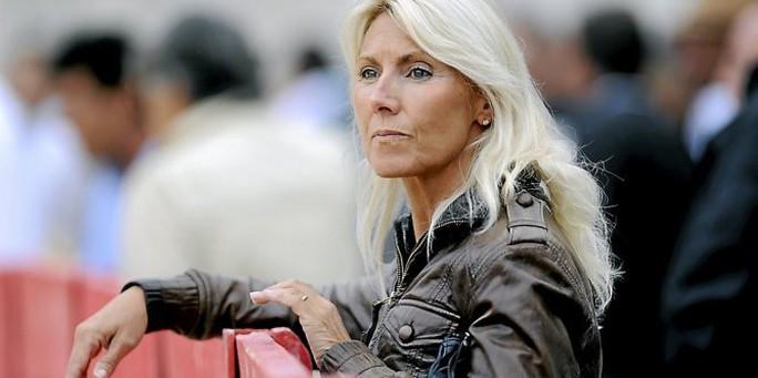 Cựu nữ sĩ đấu bò vào đội của ông Macron - Ảnh 2.