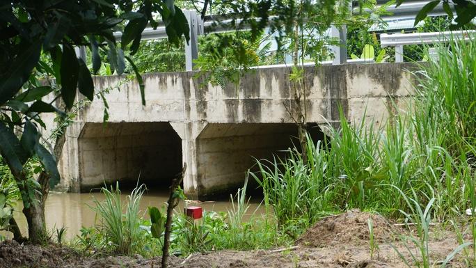Cận cảnh 2 cây cầu biến mất ở đường tránh Cai Lậy - Ảnh 3.