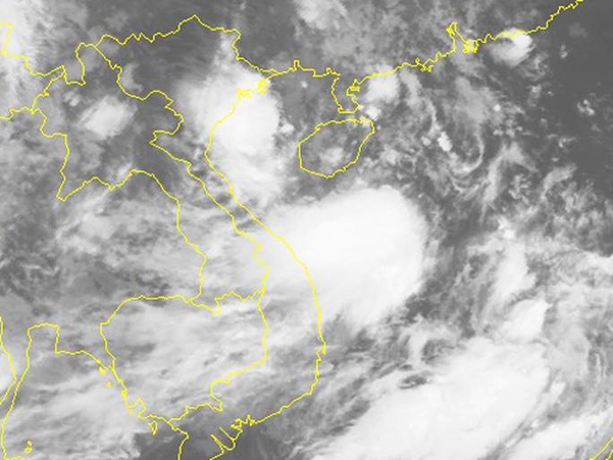 Bão số 4 uy hiếp các tỉnh miền Trung, cảnh báo mưa lớn - Ảnh 2.