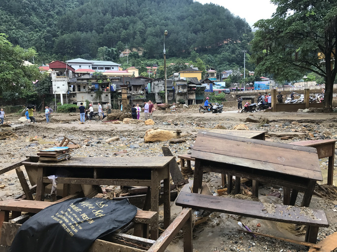 Báo Người Lao Động cứu trợ khẩn cấp người dân Mù Cang Chải - Ảnh 1.