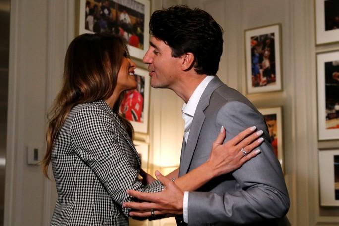 Công du một mình, bà Melania gặp Hoàng tử Harry và Thủ tướng Canada - Ảnh 4.