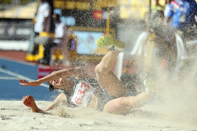 SEA Games ngày 23-8: Cú đúp vàng của Lê Tú Chinh - Ảnh 12.