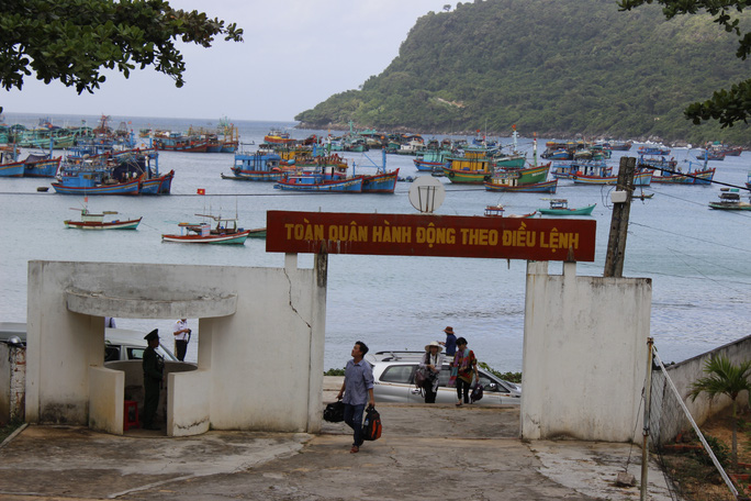 Với tinh thần vượt khó, quân và dân trên đảo Thổ Chu đồng sức, đồng lòng nỗ lực phát triển kinh tế, gắn với việc bảo vệ chủ quyền biển đảo thiêng liêng của Tổ quốc.