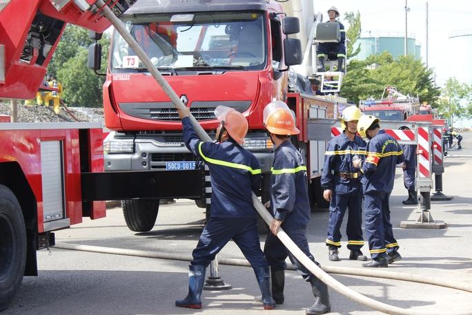 3 tỉnh, thành diễn tập chữa cháy tại Nhiệt điện Phú Mỹ - Ảnh 4.