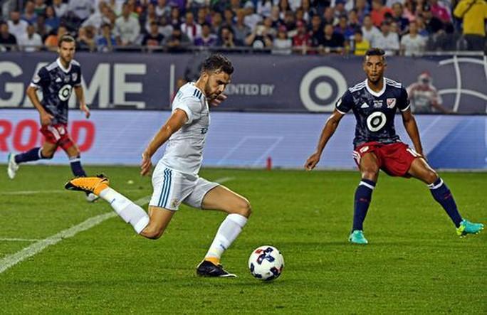 Real Madrid bị đội bóng của Kaka, Villa cầm hòa - Ảnh 2.