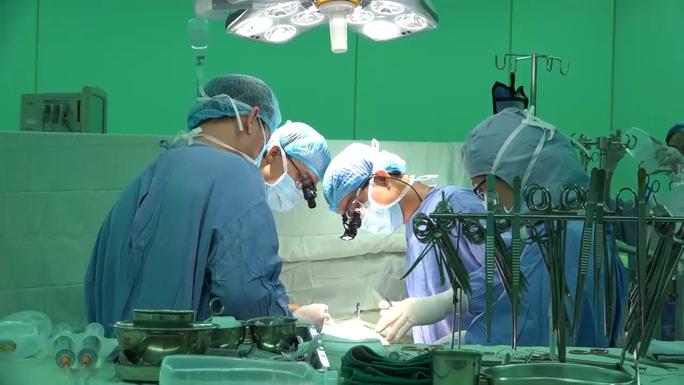 Kỹ thuật mới mổ tim không cần mở ngực - Ảnh 2.