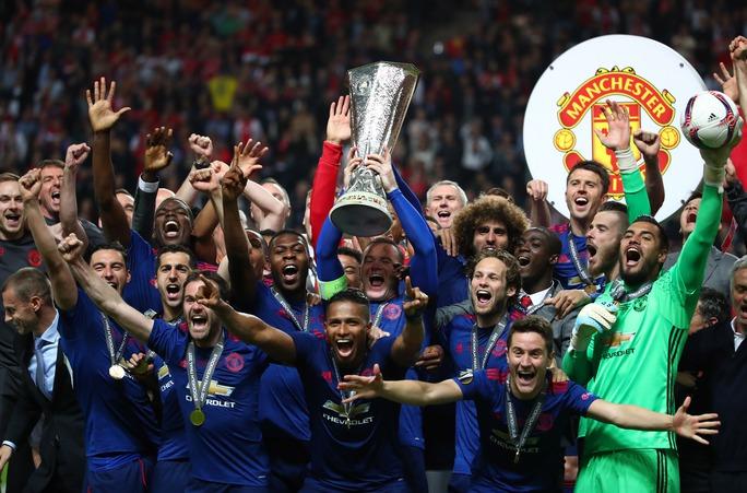 Pogba, Mkhitaryan tỏa sáng, M.U đăng quang Europa League - Ảnh 3.