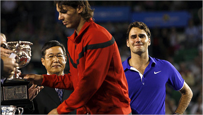 Federer bật khóc sau thất bại trước Nadal ở chung kết Úc mở rộng 2009 Ảnh: NYT