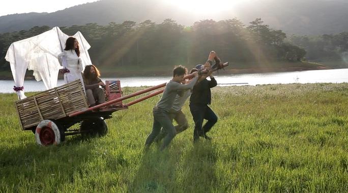 Cảnh trong phim Rừng xanh kỳ lạ truyện