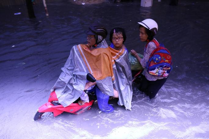 Máy bơm khủng trên đường Nguyễn Hữu Cảnh: Cần thử thêm 4 lần - Ảnh 2.