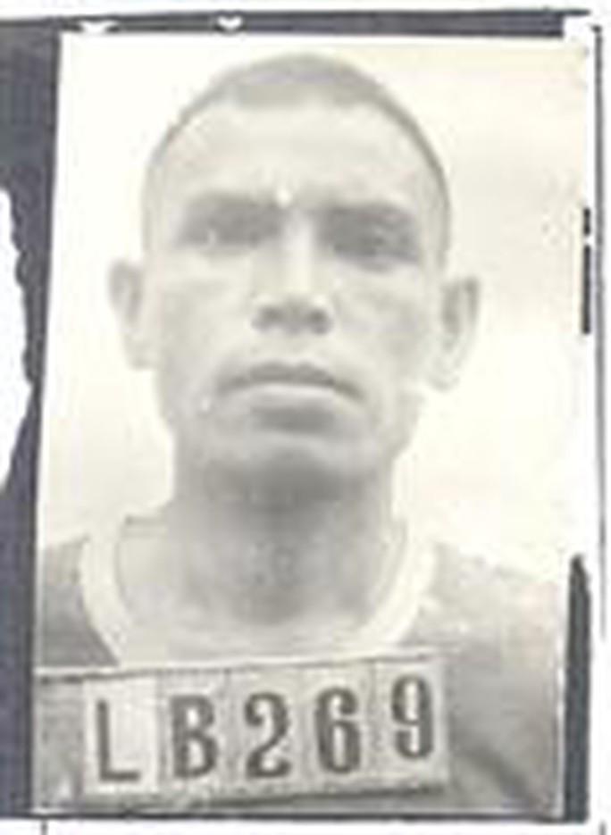 Bến Tre truy nã cụ ông 74 tuổi giết người - Ảnh 1.