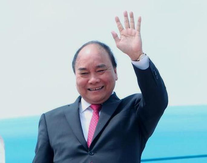 Thủ tướng Nguyễn Xuân Phúc trong một chuyến công du nước ngoài - Ảnh: TTXVN