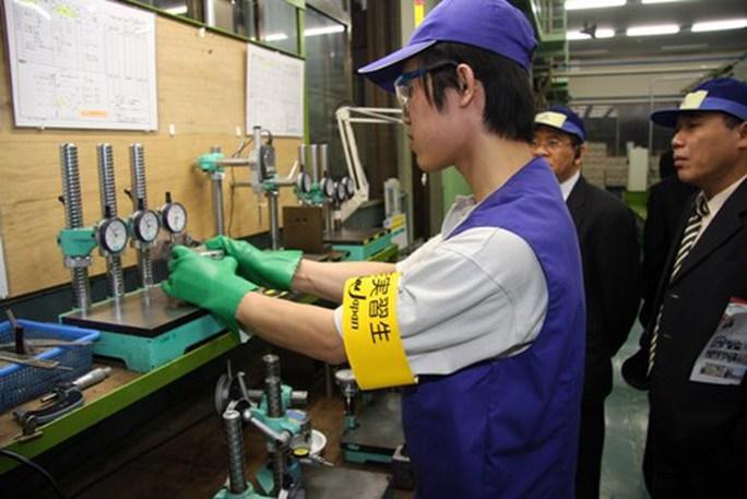 Đừng để lao động xuất khẩu bơ vơ - Ảnh 1.