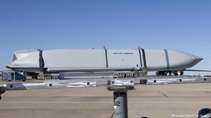 Nhật Bản để mắt tới tên lửa có khả năng tấn công Triều Tiên - Ảnh 1.