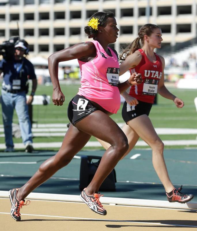 Bà bầu 5 tháng gây sốc với đường đua 800 m - Ảnh 5.