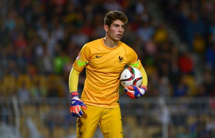 Zidane lại đưa con trai lên đội 1 Real  - Ảnh 1.