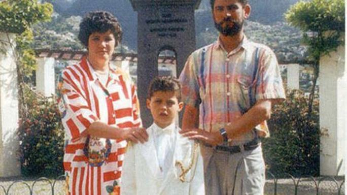 Ronaldo tưởng nhớ người cha quá cố - Ảnh 2.