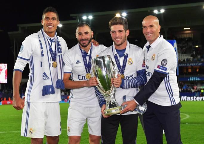 Zidane lại đưa con trai lên đội 1 Real  - Ảnh 3.