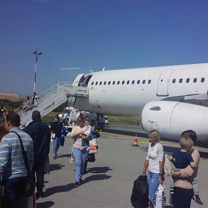 Máy bay bất ngờ rơi tự do hơn 5.000 m - Ảnh 1.