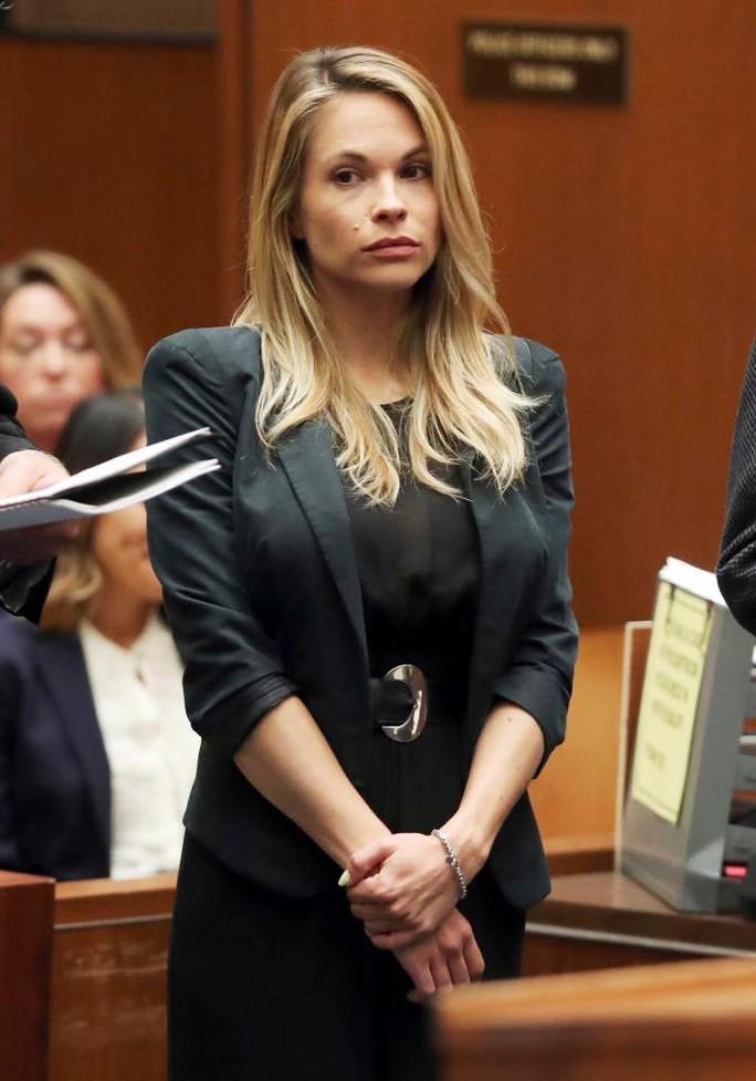 Người mẫu nhận án tù vì đăng ảnh khỏa thân lên mạng - Ảnh 1.