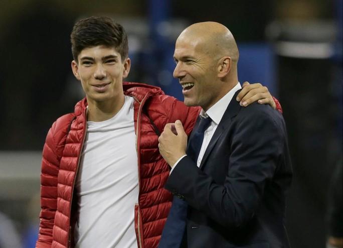 Zidane lại đưa con trai lên đội 1 Real  - Ảnh 2.