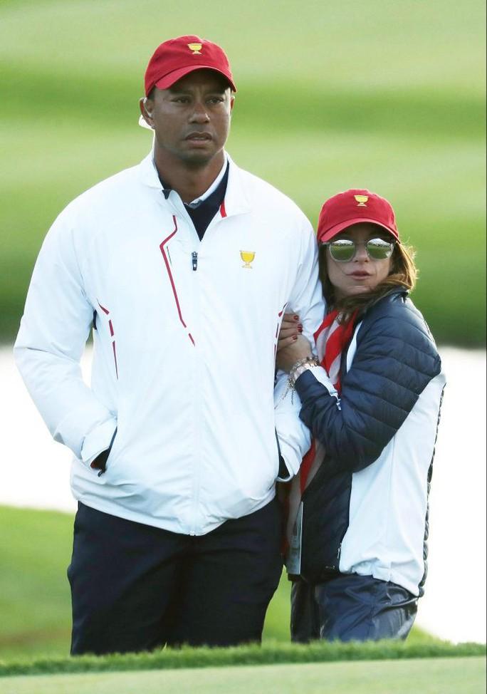 Những người đẹp trong đời Tiger Woods - Ảnh 13.