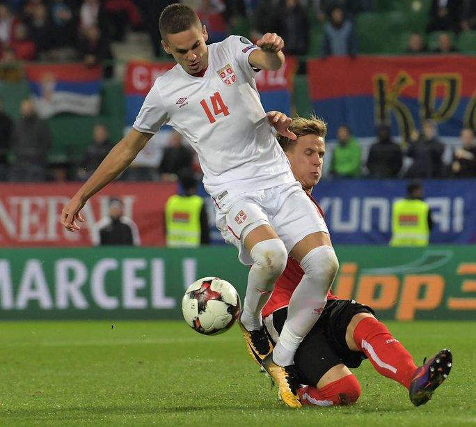 Lộ cầu thủ Mourinho xem giò trận Áo - Serbia - Ảnh 2.