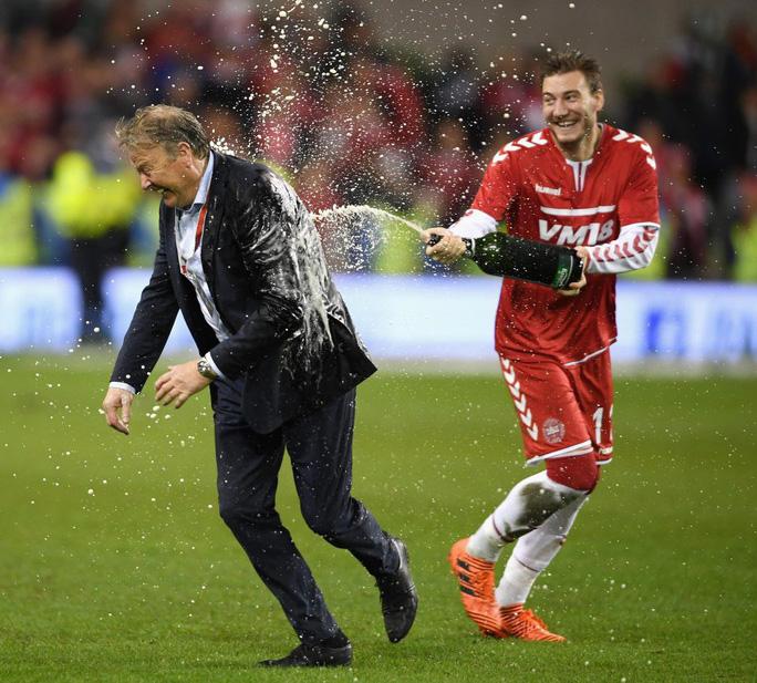 Vua phá lưới Bendtner ghi bàn đẹp nhất giải Na Uy - Ảnh 3.